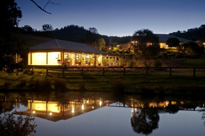 accommodation at night